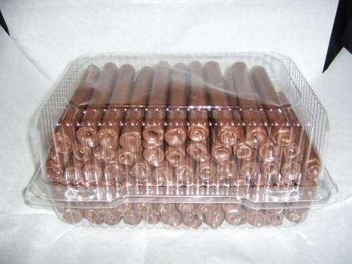 Cuchufli rellenos de manjar con y sin cobertura de chocolate
