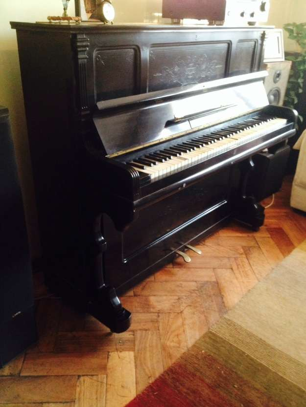 Vendo o permuto hermoso piano siglo 19 restaurado