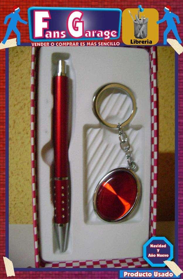 Pack de llavero y lapiz rojo