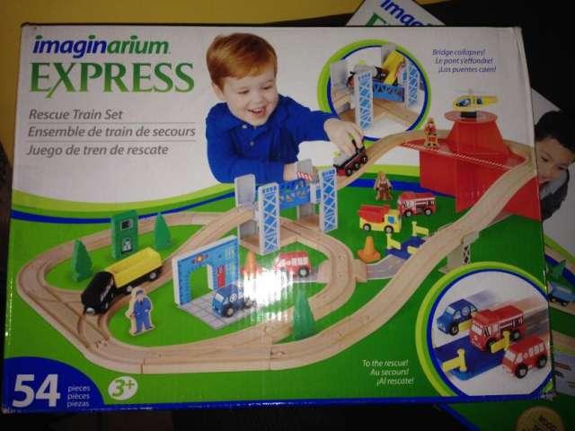 Imaginarium express rescue train set